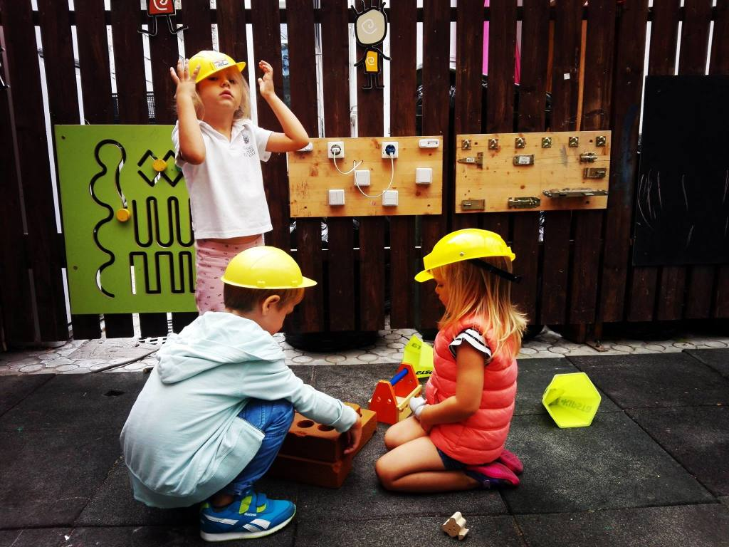 educație prin joc_Acorns Nursery